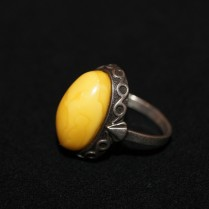 Перстень серебряный с янтарем