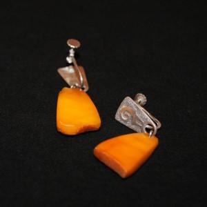 Клипсы серебряные с янтарем