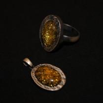 Набор из кольца и кулона