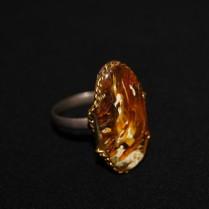 Перстень с янтарем