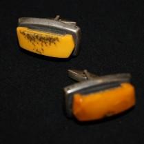 Запонки янтарные